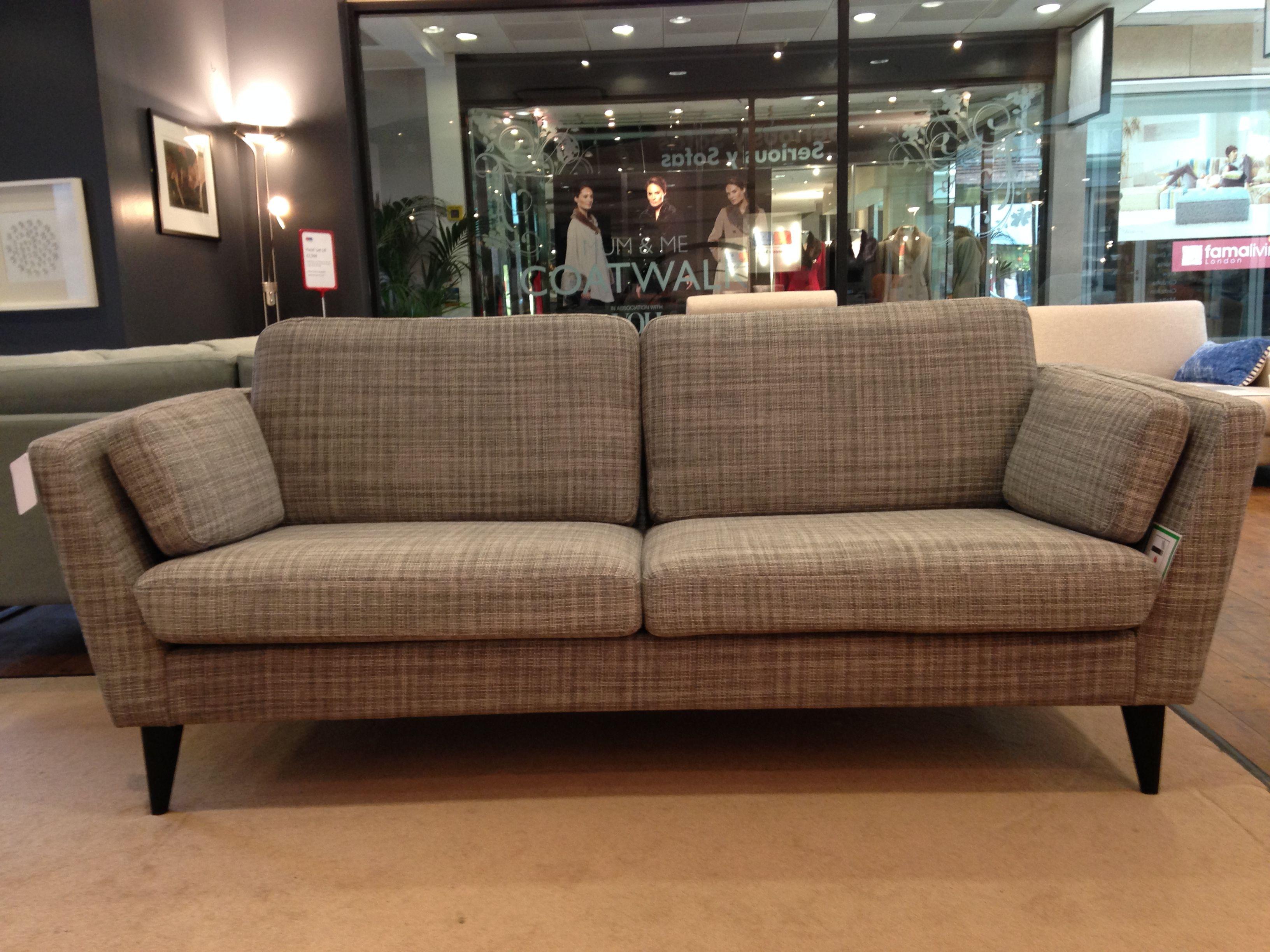 Our retro look sofa jasmine showroom display model is for Sofa 50 cm sitzhohe
