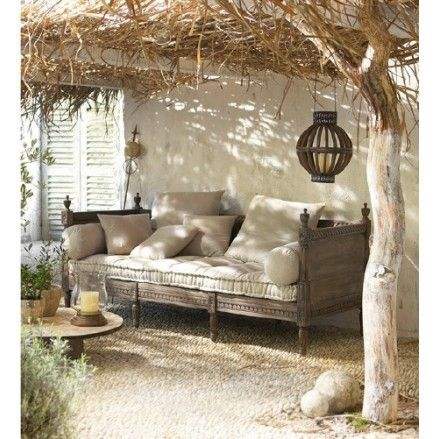 Would love this with a pergola covered with grapes :)