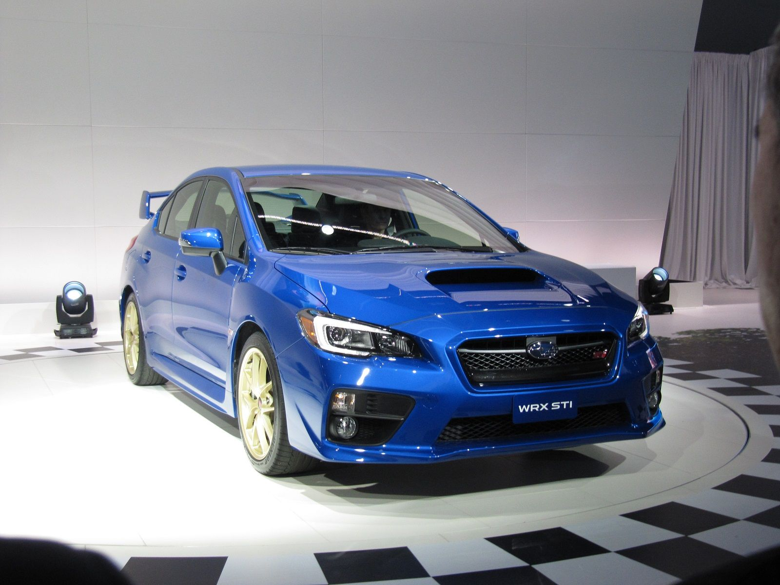 2015 Subaru WRX STI Front Three Quarter 03 25