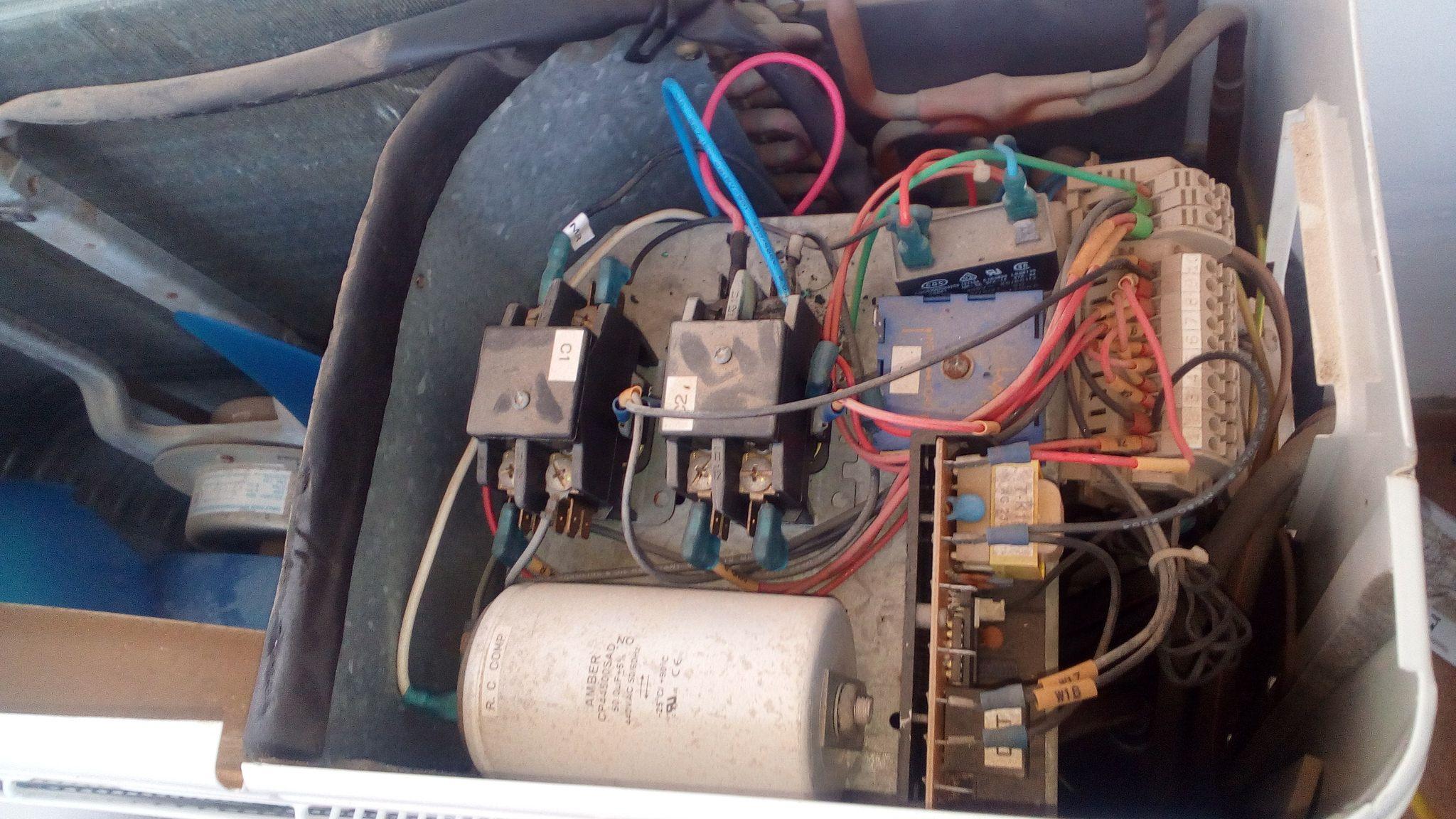Reparacion de unidad exterior de aire acondicionado con
