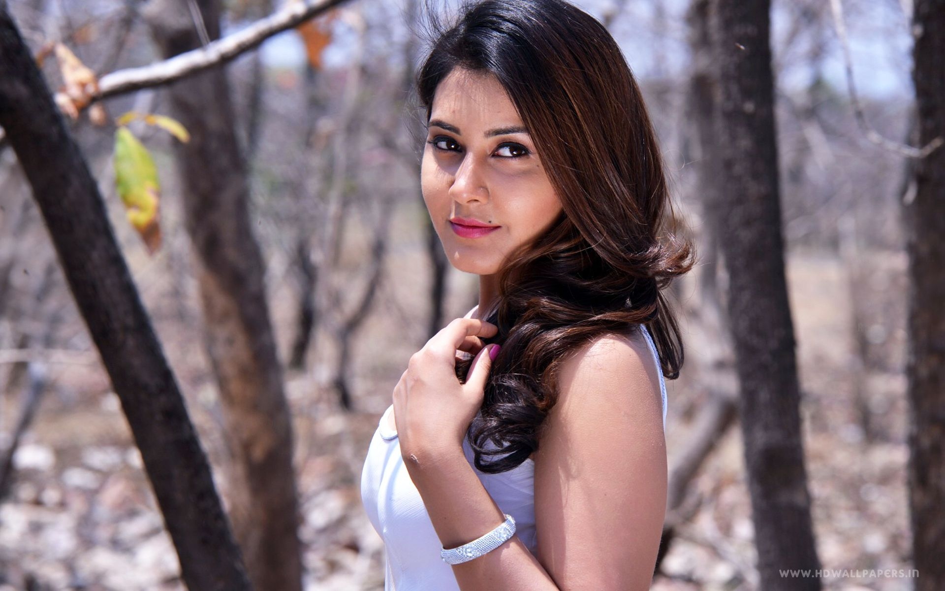 click here to download in hd format u003e u003e actress rashi khanna http