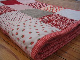 Craftyblossom: strawberry shortcake quilt.