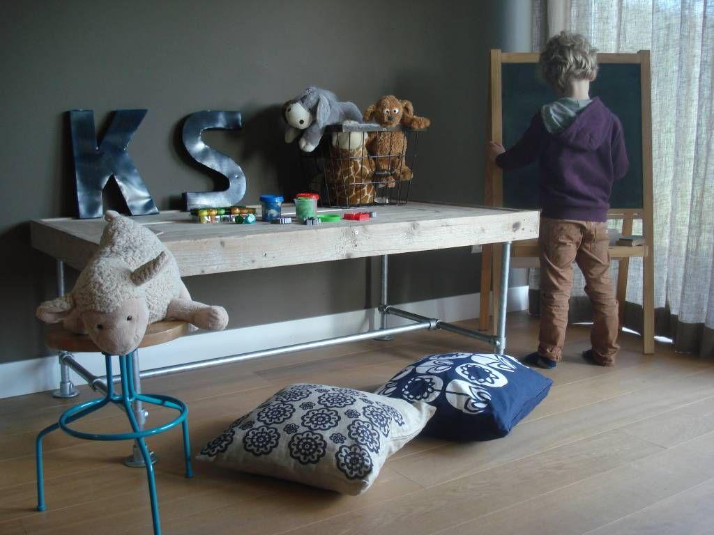 Stijlvolle Speeltafel Kinderkamer : Pure speeltafel van steigerhout speelhoek pinterest