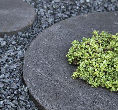 runda stenar till trädgård