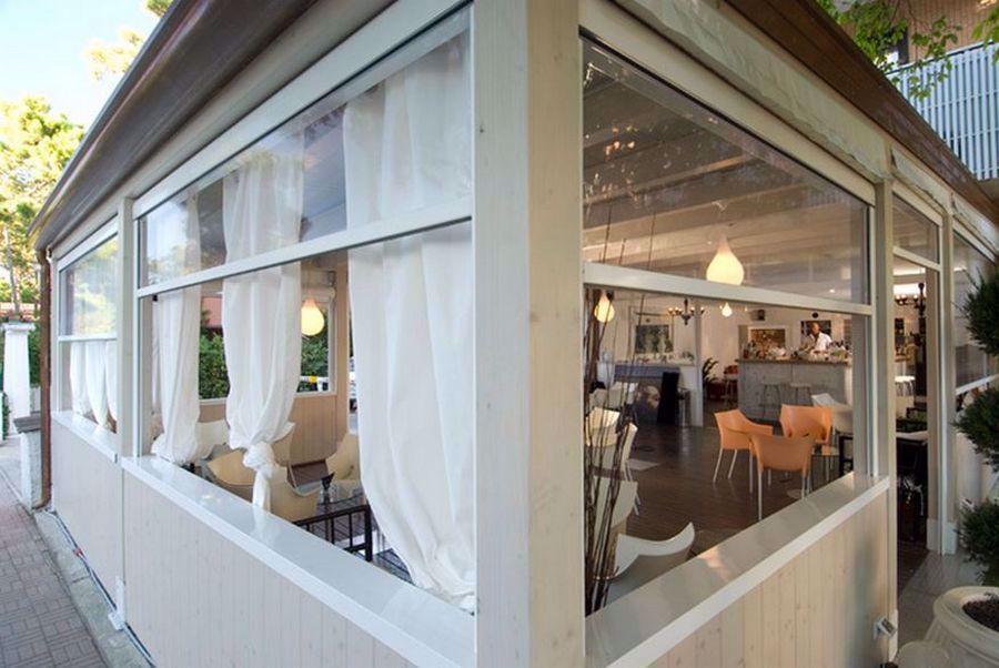 399,9 € prezzo riferito ad una tenda fino a 100x150h (iva inclusa) acquista. Chiusure Tende In Pvc Per Esterni Verande Balconi Portico Bar Glass Garage Door Portico Gazebo