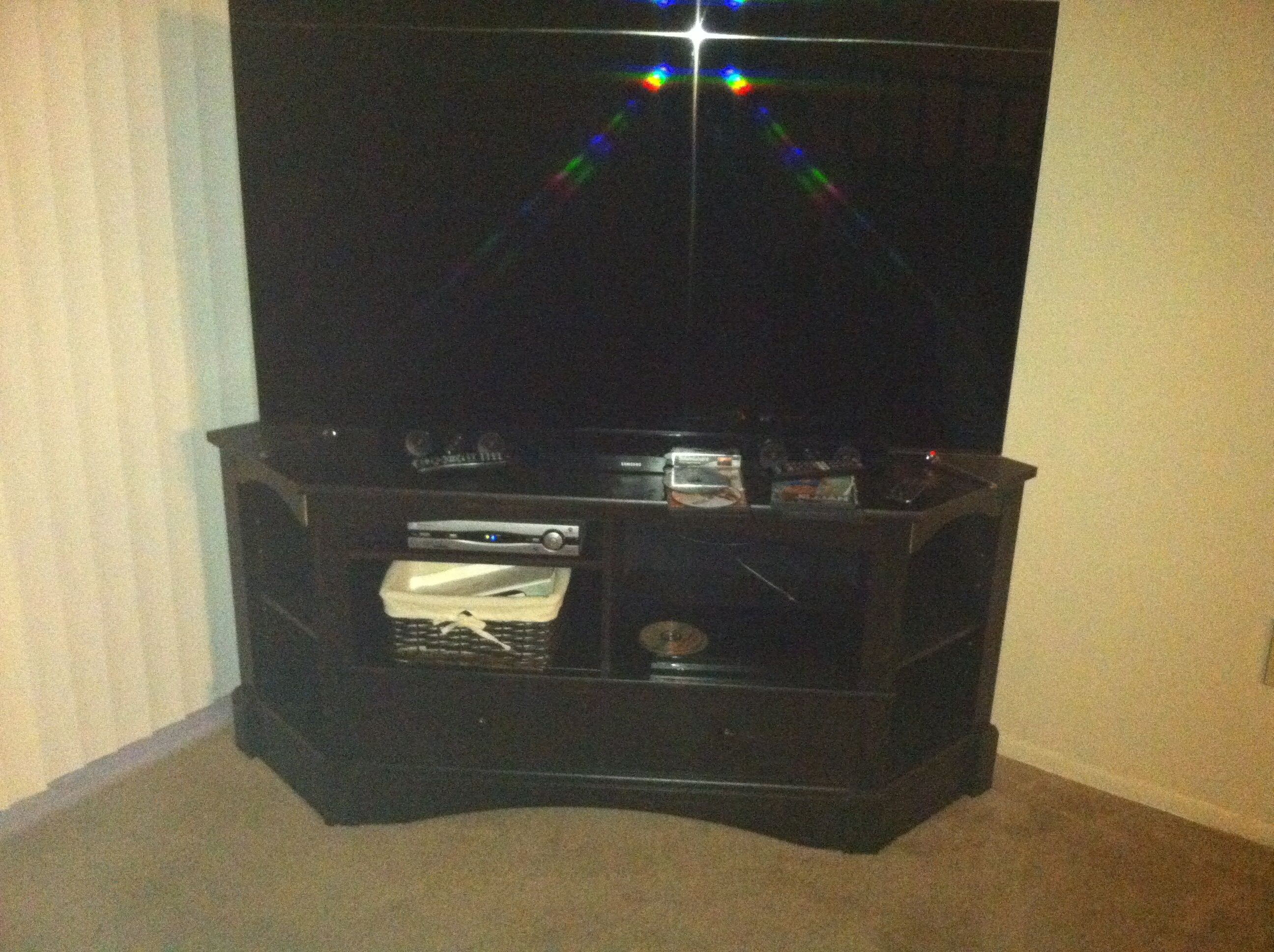70 inches tv corner stand in Moving7's Garage Sale Canton