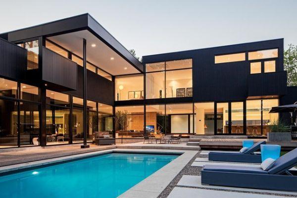 15 Black House Facades Mysterious Dark But Also Attractive Facade House House Designs Exterior Modern House Exterior