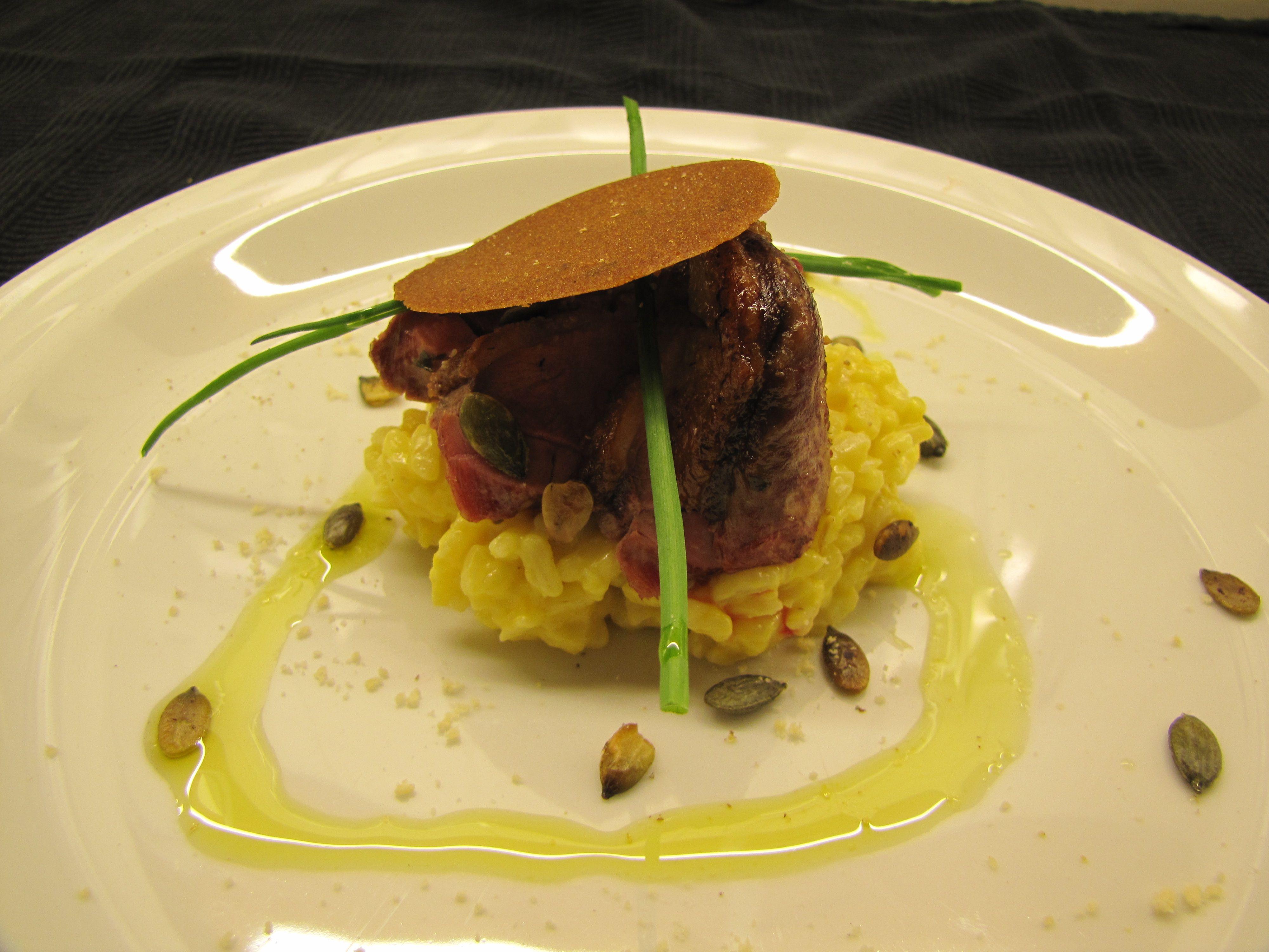 Tamme eendenborst met pompoenrisotto  en rozemarijnkoekjes