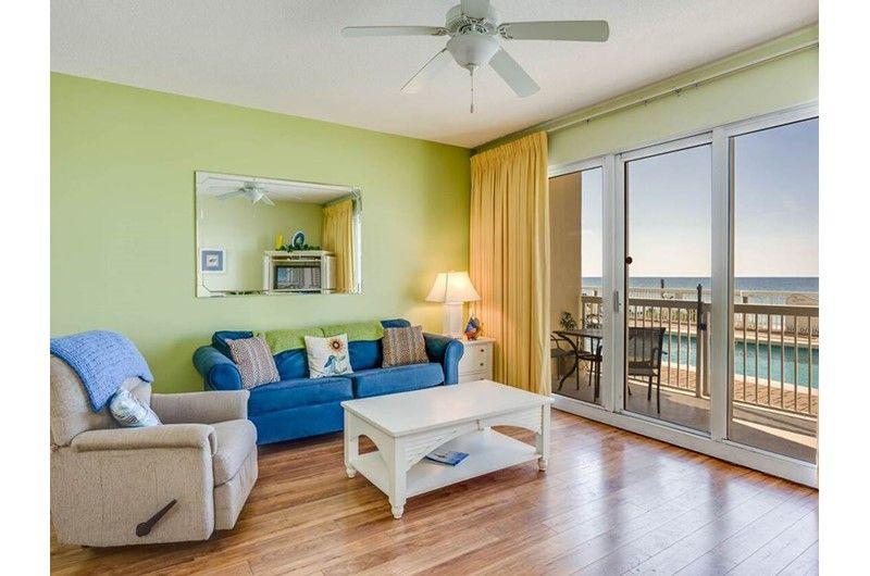 Beautiful ground floor 1 bedroom condo with bunks sleeps 6