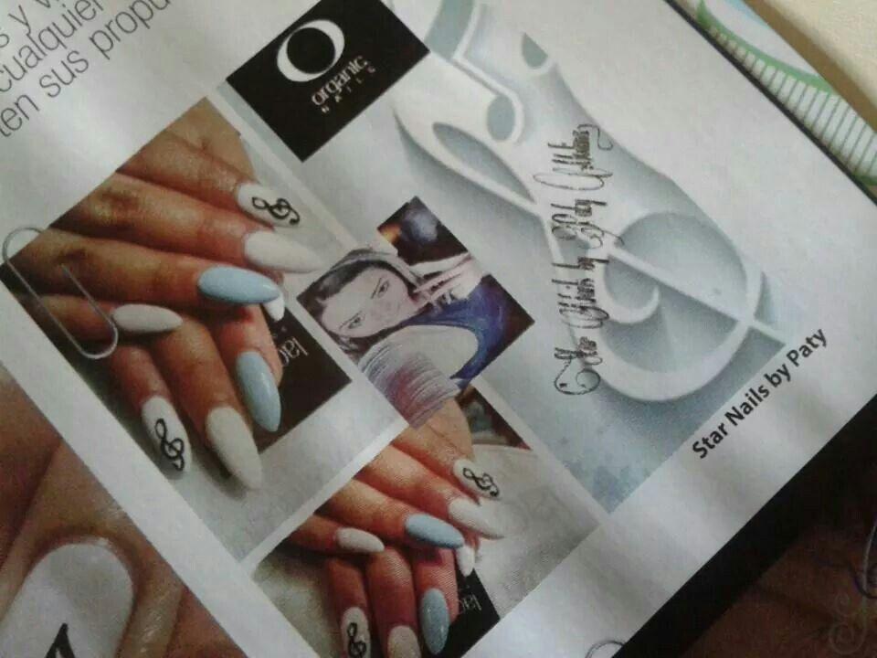 En la revista profesionales de las uñas...