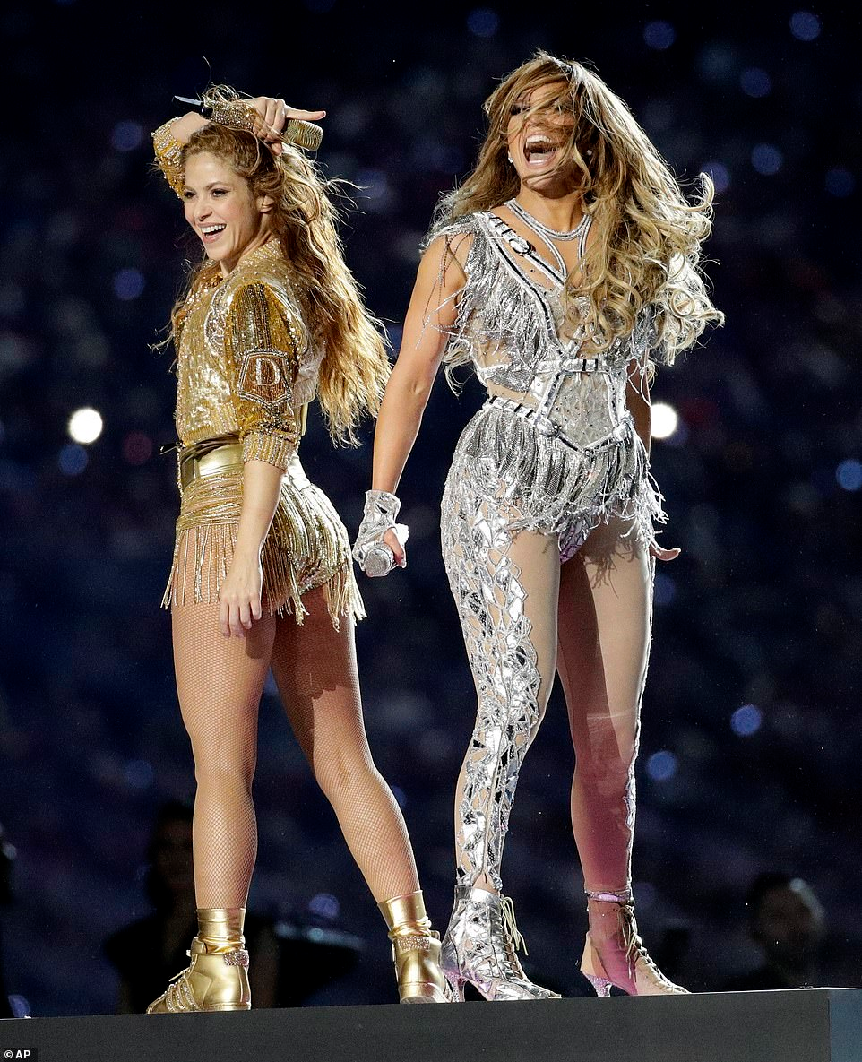 Shakira Leaves Little To The Imagination As She Brings Her Signature Dance Moves To The 2020 Super Bowl Half Time Show Shakira Super Bowl Half Time
