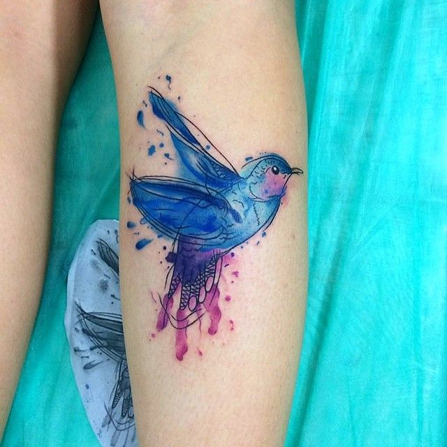 Beija flor em aquarela que acabou de rolar agoraaa!  Whatssap: 96674-1972  #watercolor #watercolortattoo #tatuagemaquarela #Aquarela #BellaArtTattoo #TiagoDias by tiagoajtribos