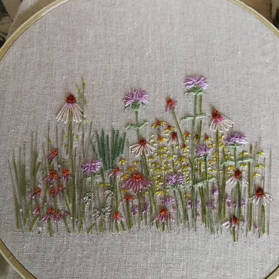 """Embroidery Therapy on Instagram: """"Echinacea and monarda for my mini July meadow!😃 #embroiderytherapy #botanicalembroidery #handembroidered #handmadebyme #dmcthreads #linen…"""""""