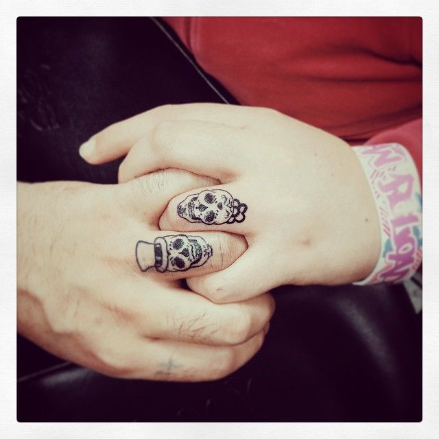 b9de2251f Commemorating Valentine's Day with sugar skull tattoo | Skull Tattoo ...