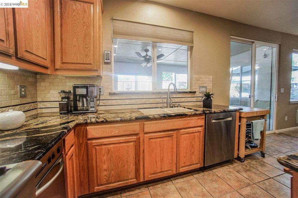 749 Campanello Way, Brentwood, CA 94513   Kitchen cabinets ...
