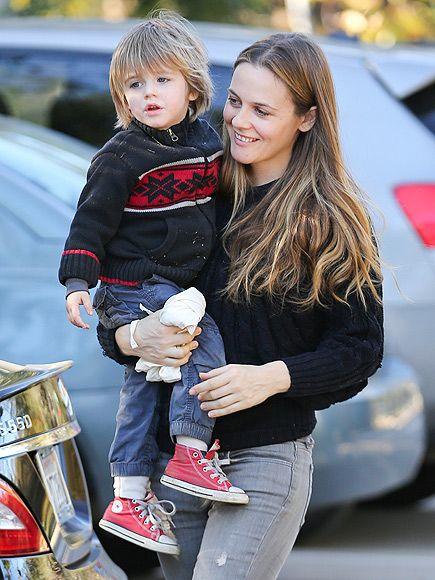 Star Tracks Thursday December 26 2013 Celebrity Baby Names Celebrity Babies Celebrity Moms