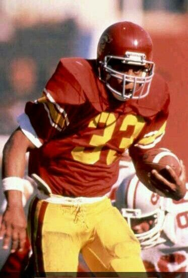 1981 winner, senior running back Marcus Allen, from USC. Inducted into Pro Football Hall of Fame.