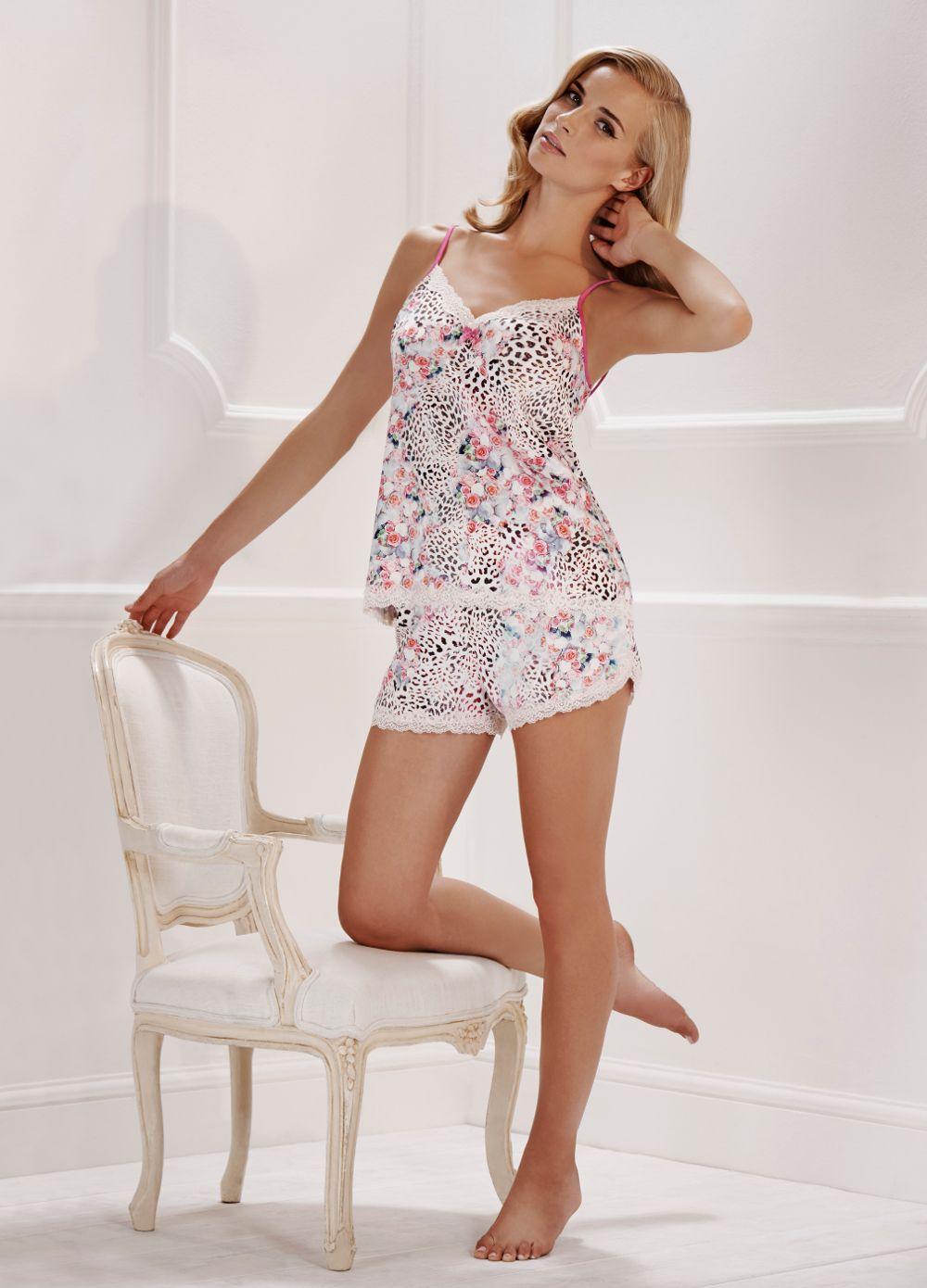 9e704897ec Découvrez des idées sur le thème Noeuds Roses. Julien Macdonald Leopard Allure  Satin Short Pyjama Set.