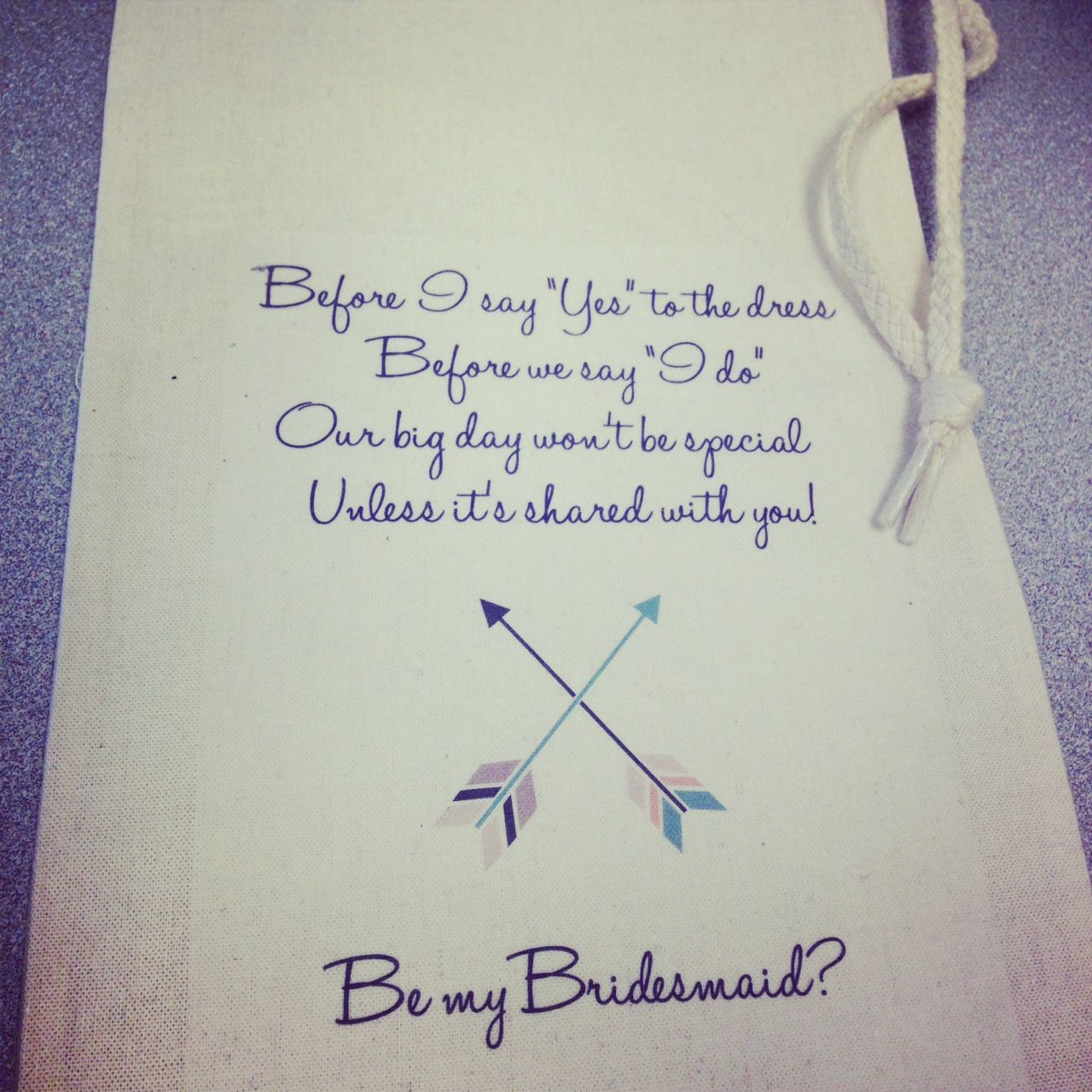 Planning a wedding? Make this easy DIY wine tote bag to propose to your bridesmaids! Throw a bottle of wine in it and the gift is complete! See more only at Imprintables.com/blog