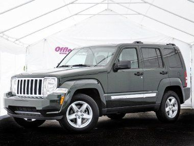 Stylish Used Jeep Liberty At Off Lease Only Used Jeeps Used Jeep Jeep Liberty Jeep