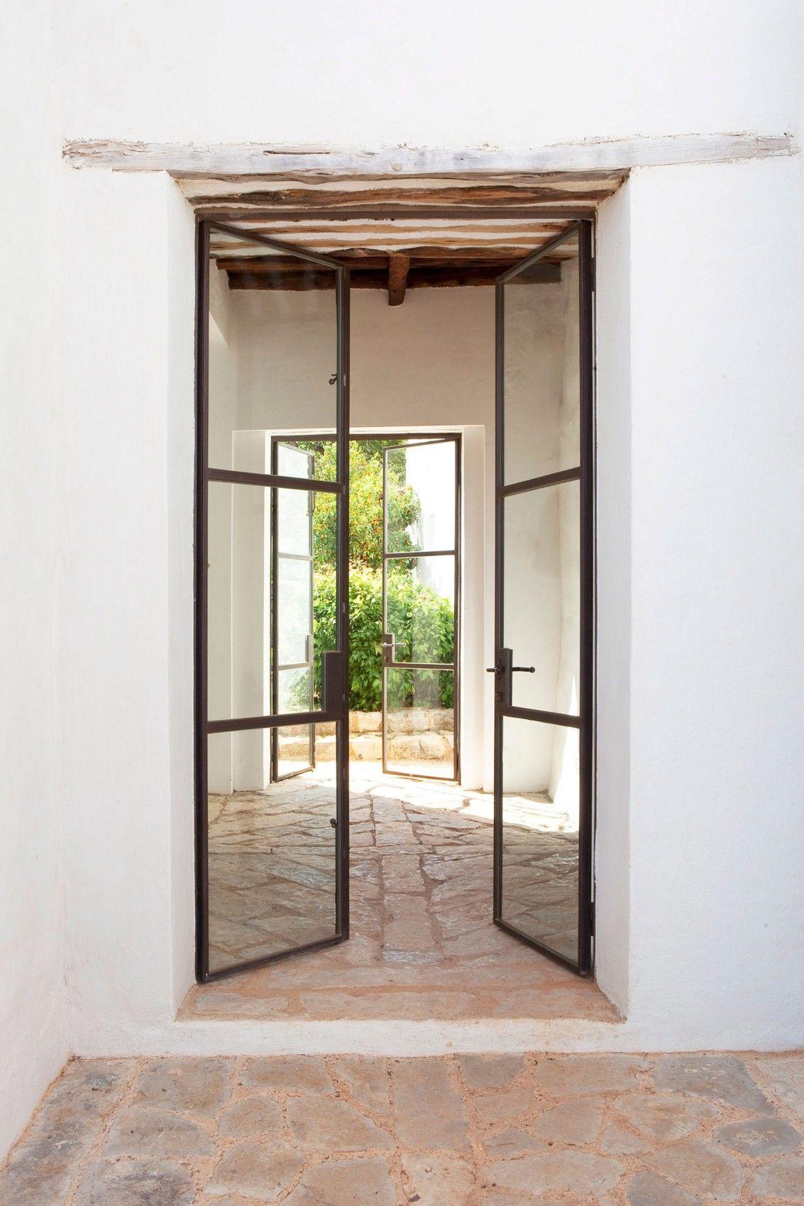 Innenarchitektur für wohnzimmer für kleines haus a modern finca overlooking the morna valley  eigenreich  pinterest