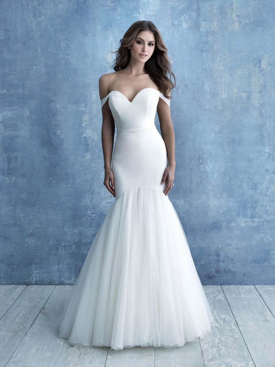 Allure 9719 Sz 12 Ivory 1298 Available At Debra S Bridal Jacksonville Fl 32256 Contact Us To Ma In 2020 Plain Wedding Dress Allure Bridal Fitted Wedding Dress