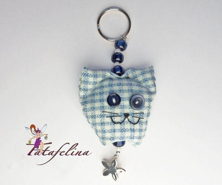 Das kleine 'Gattinchen' hält nicht nur Schlüssel zusammen, sondern ist auch ein schmückendes  Accessoire, das Freude macht und Glück bringen möchte...