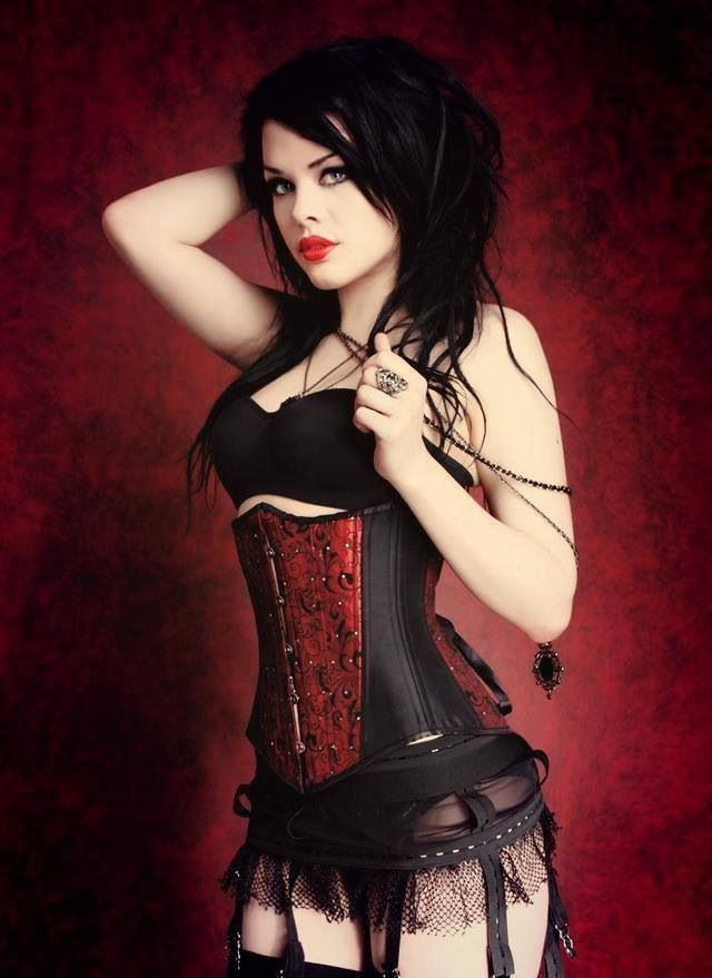 fat-belly-sexy-wild-gothic-girls