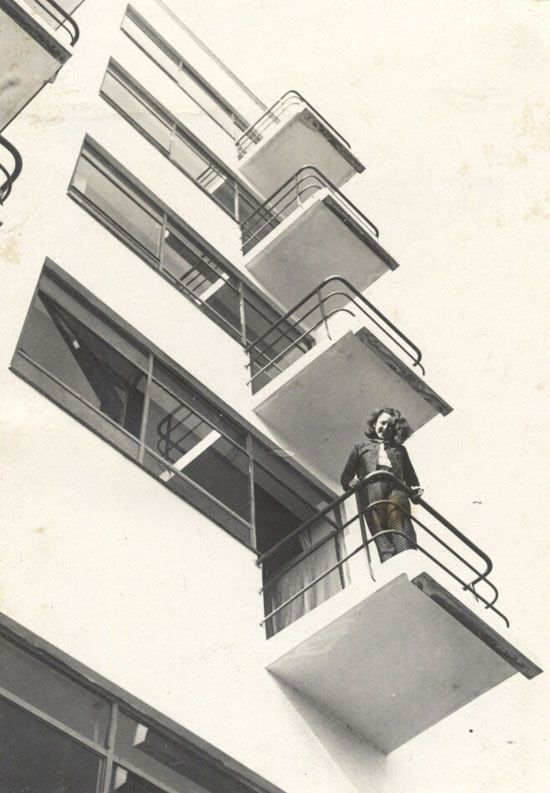 Quincampoix Lotte Stam Beese Otti Berger On The Balcony Of The