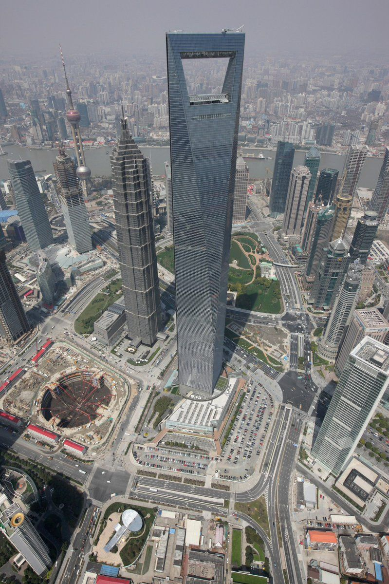 Shanghai World Financial Center The Tallest Tower With A Hole In The World Skyscraper Futuristic Architecture Shanghai World Financial Center