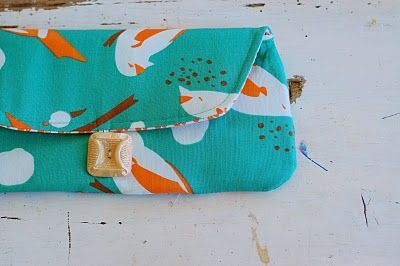 wonderful simple clutch tutorial.  I'm hoping to make this into an eyeglass case too.