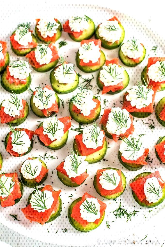Mini cucumber smoked salmon appetizer bites with lemon dill cream cheese - Mini cucumber smoked sa