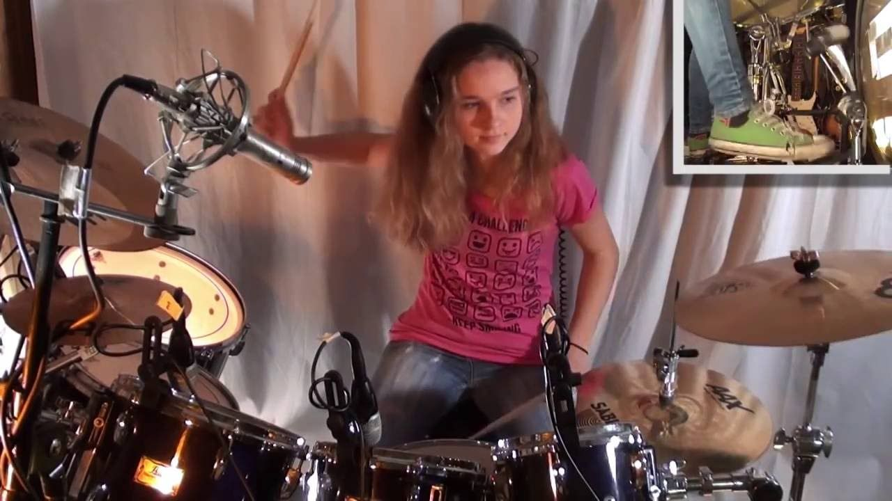 Jump Van Halen Drum Cover By A 14 Year Old Girl Sina Is Awesome Has Lots Of Amazing Videos What A Talent Drum Cover Van Halen Girl Drummer
