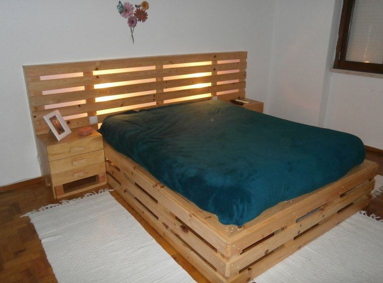 20 Brilliant Wooden Pallet Bed Frame Ideas For Your House Wood