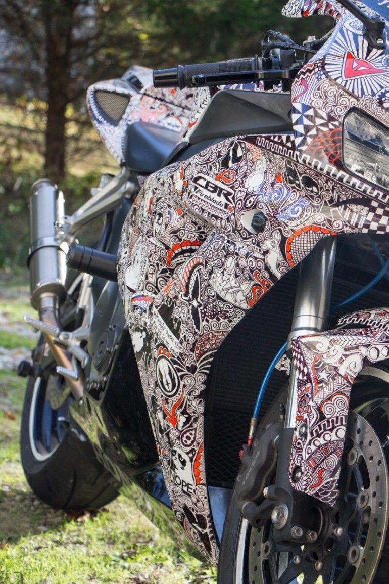Car With Sharpie Designs Art Room Inspiration Pinterest - Artist wife doodles husbands car