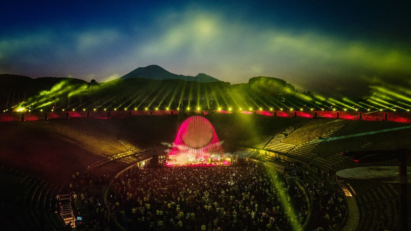 Exclusive: David Gilmour Talks Stunning New Pompeii Concert Film | David  gilmour, Pompeii, David gilmour live