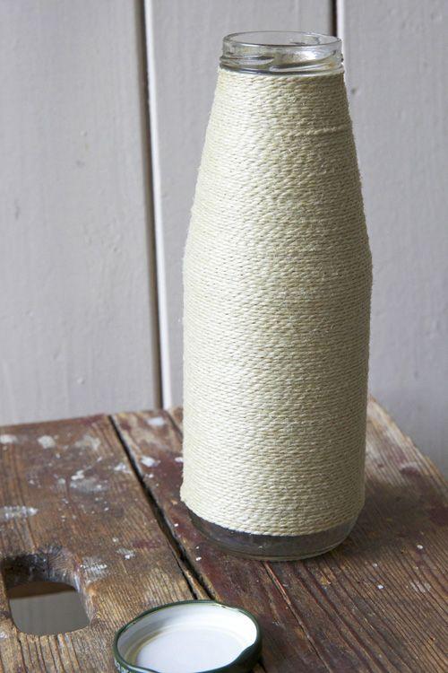 vase aus glasflasche und schnur kreativ ideen pinterest mein sch nes land wasserflasche. Black Bedroom Furniture Sets. Home Design Ideas