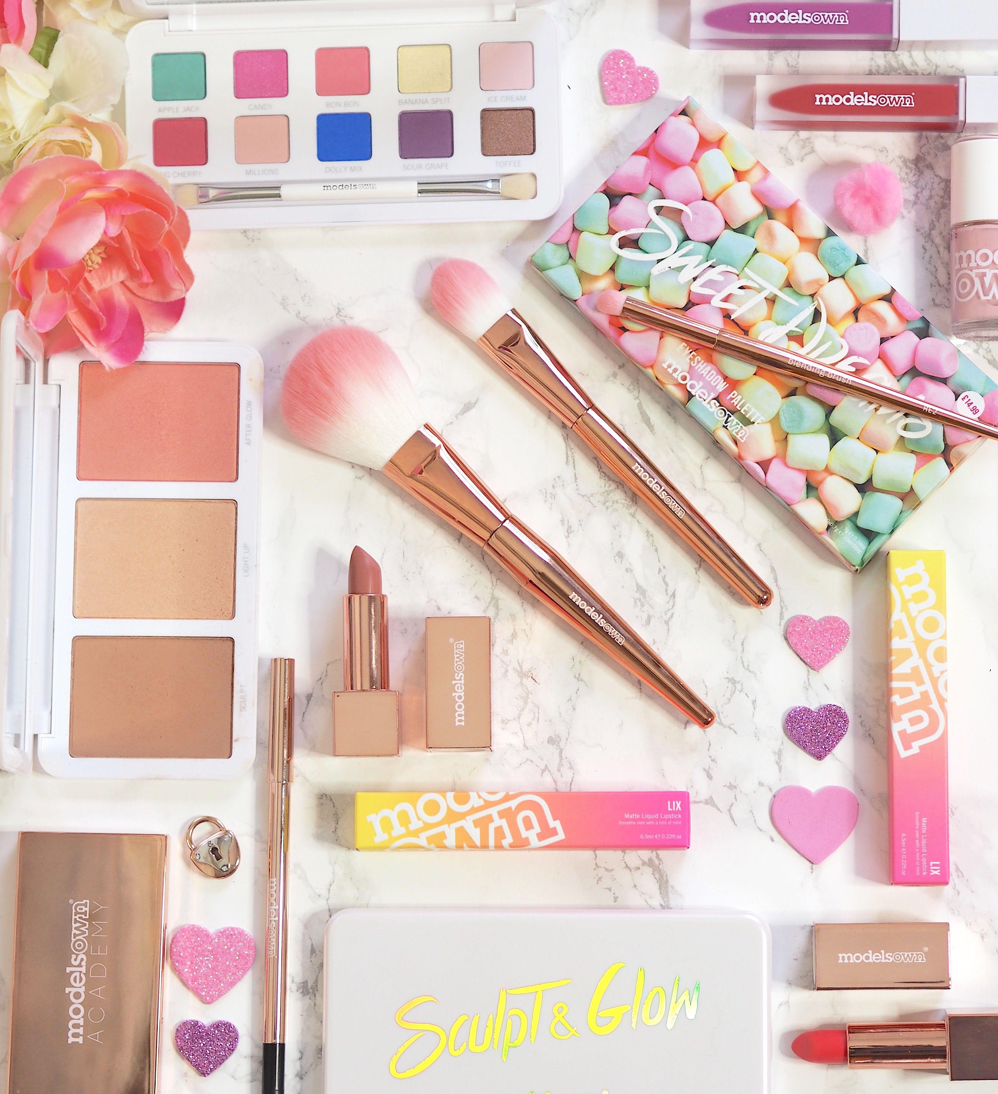 Ulta beauty bundle NWOT New without tags 21 eyeshadow