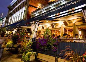 Jardin Nelson - At the heart of Old Montréal, the wrought ...