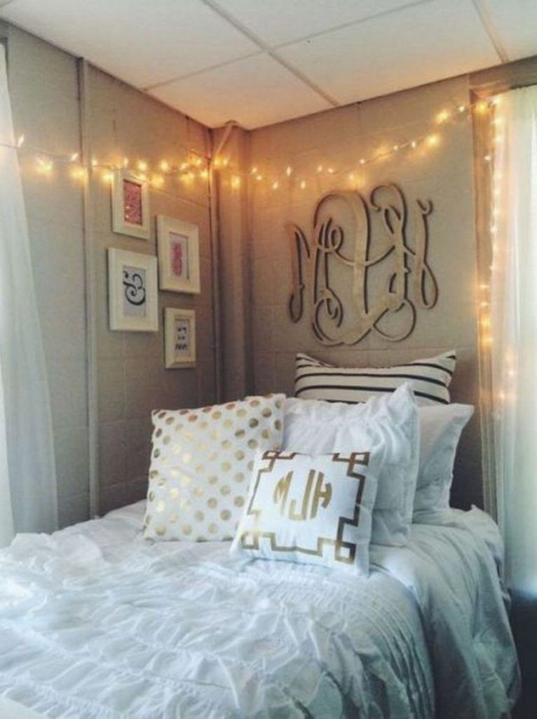40+ Luxury Dorm Room Decorating Ideas On A Budget | Room ... on Luxury Bedroom Ideas On A Budget  id=29880