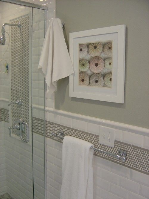 White Subway Tile Gray Paint Job And A Cream Color Border I Would Go With A Pencil In Crema