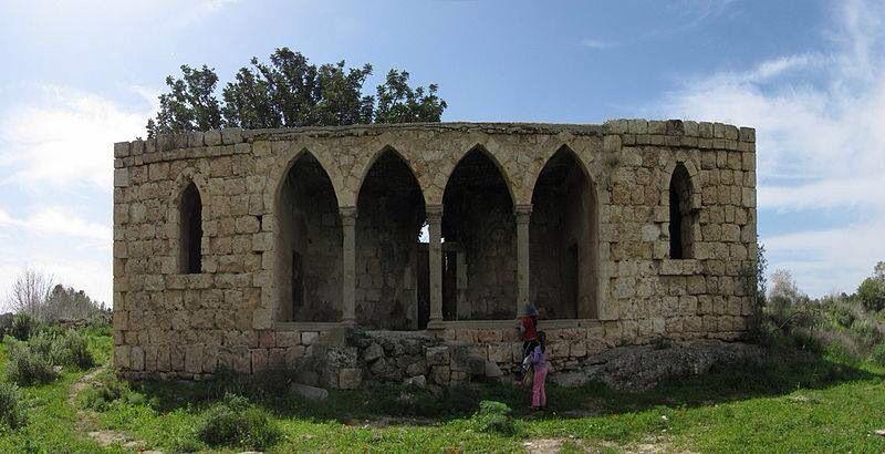 بيت مهجور من بيت جبرين قضاء الخليل القرية هجرت في النكبة عام ١٩٤٨ National Parks Amphitheater Landmarks