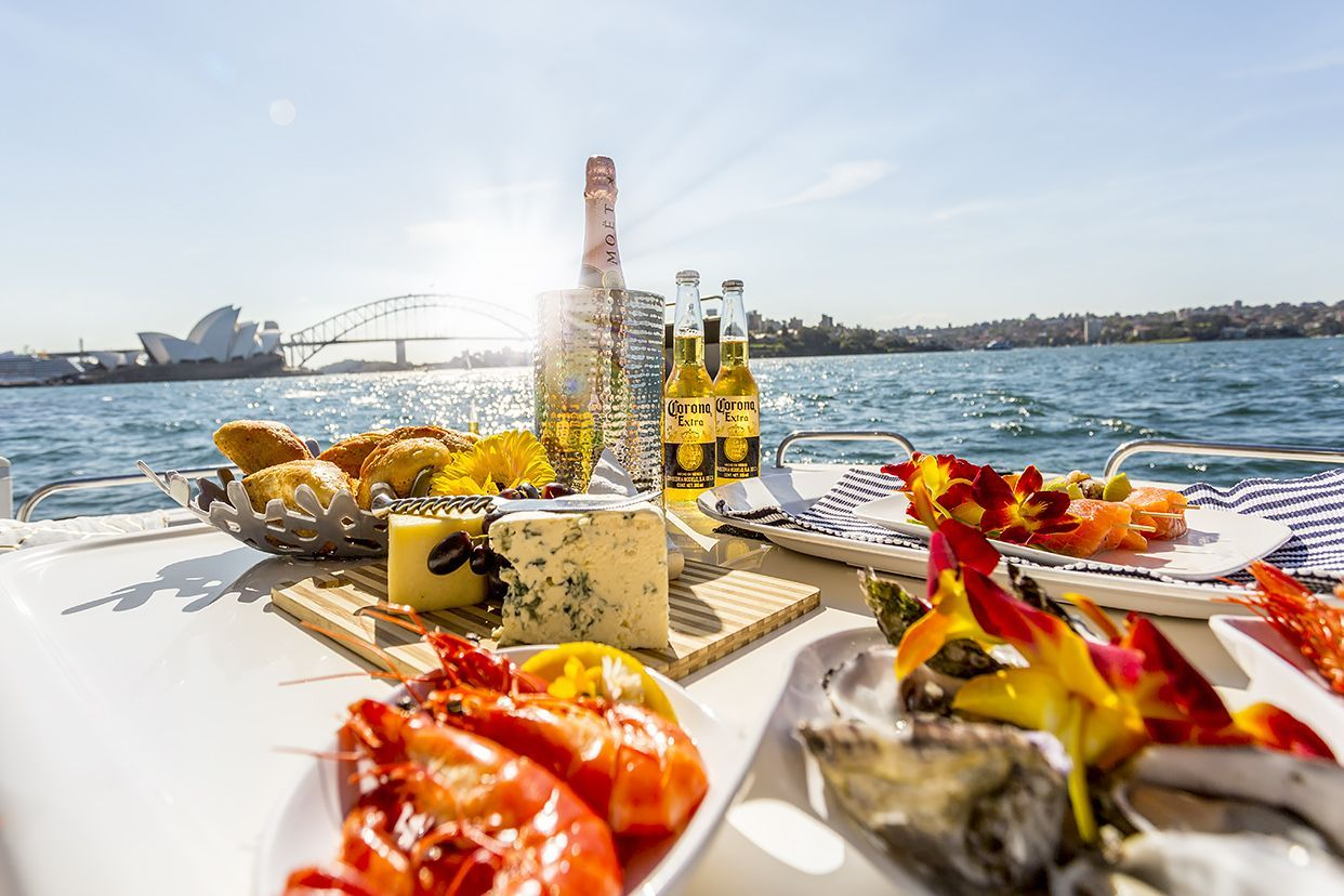 Luxury yacht table setting yacht yacht food in 2020