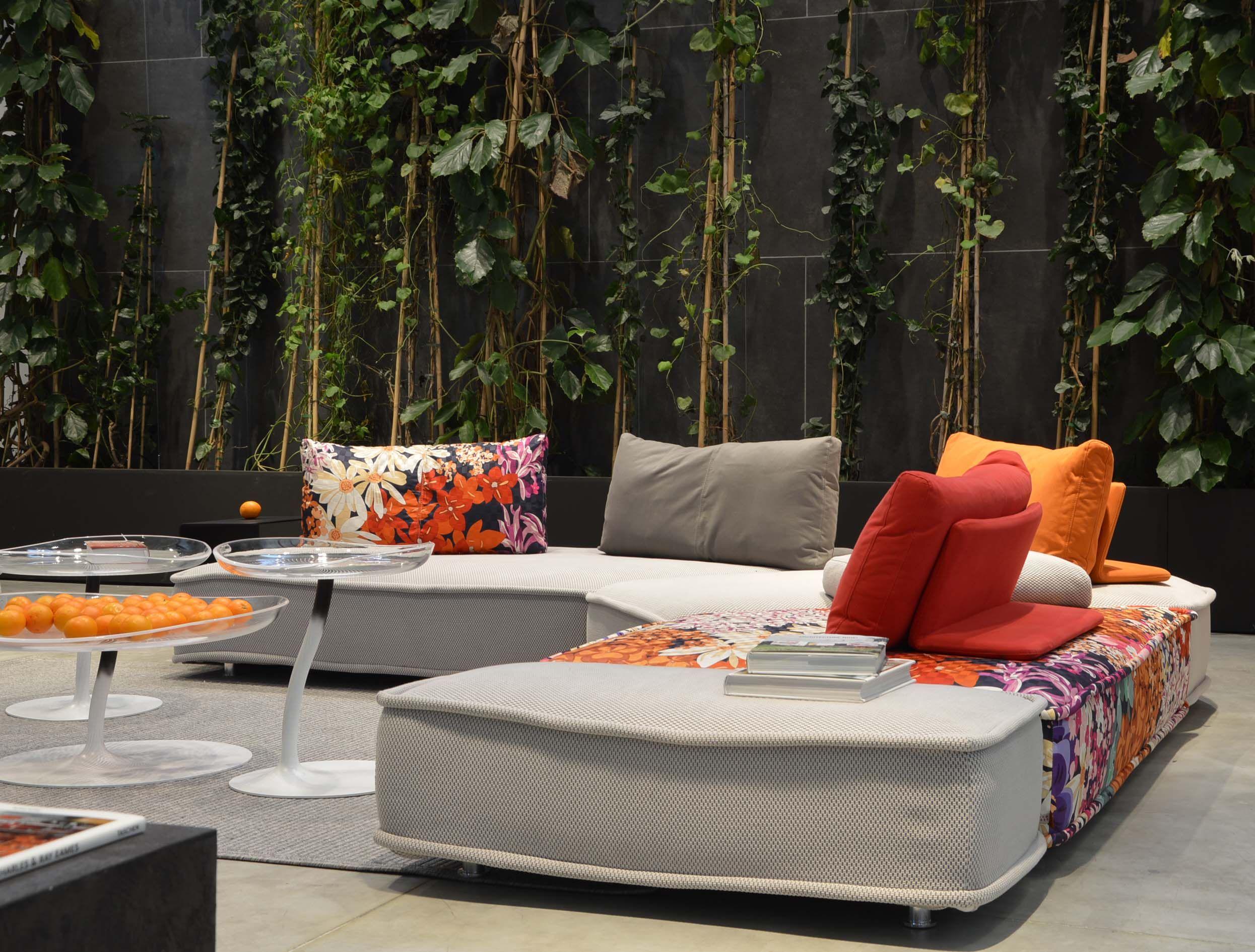 roche bobois | escapade sofa designedzeno nugari and mucidule