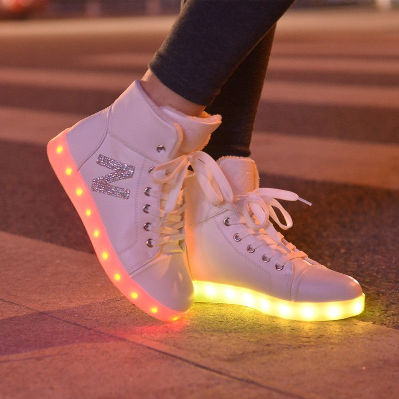 best service 1254b 58323 Niñas zapatos casuales mujeres de simulación de alta top fasshion up light  glowing cesta led luminoso zapatos adultos zapatos femme intermitente  led(China ...