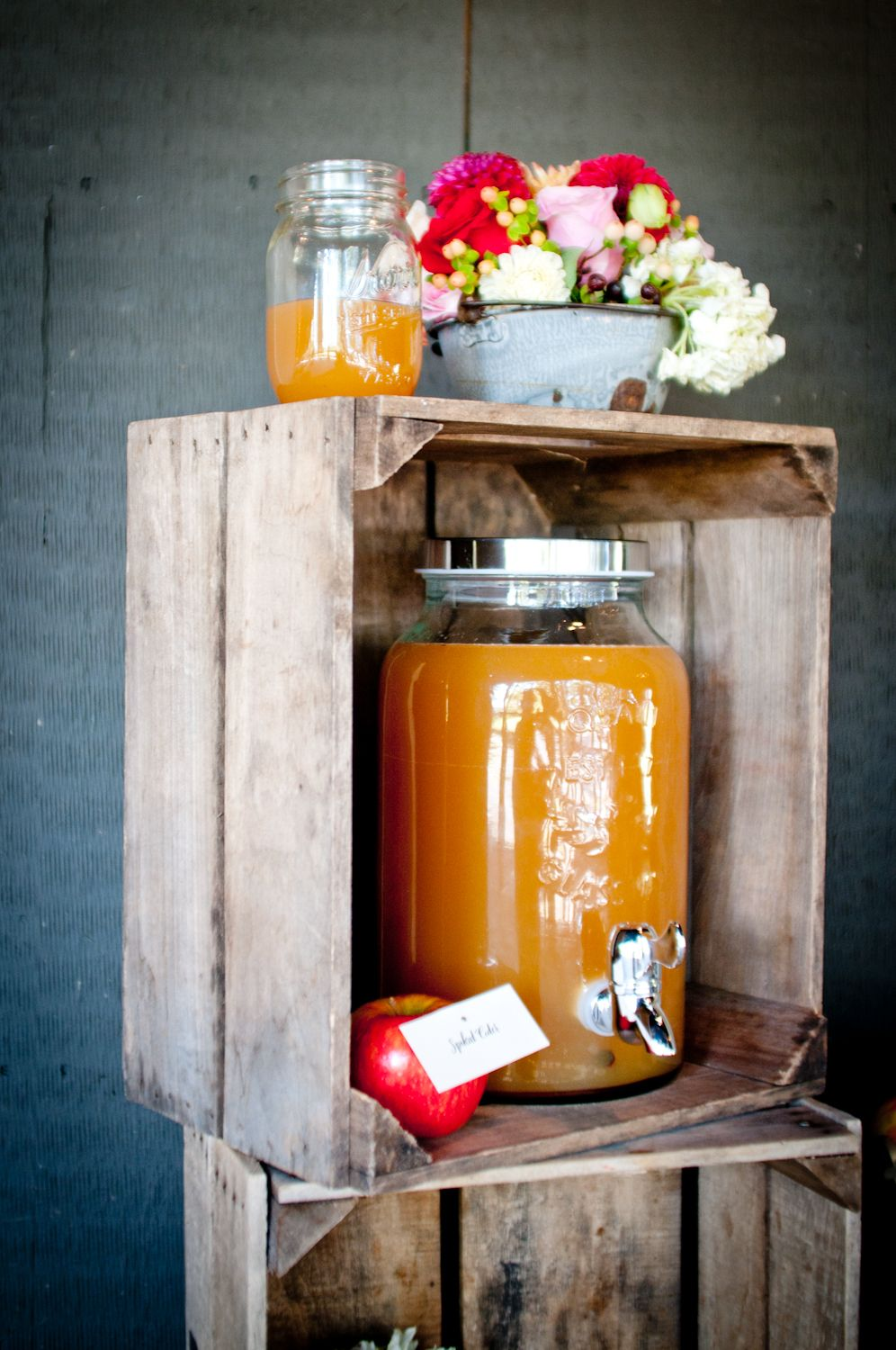 Fall rustic apple bridal inspiration shoot from Dogwood Events, JEM Events and photography by Djijo Studios Photography #mason #jar #signature #drink #station #cocktail #cider #graniteware #barn #reception #wedding