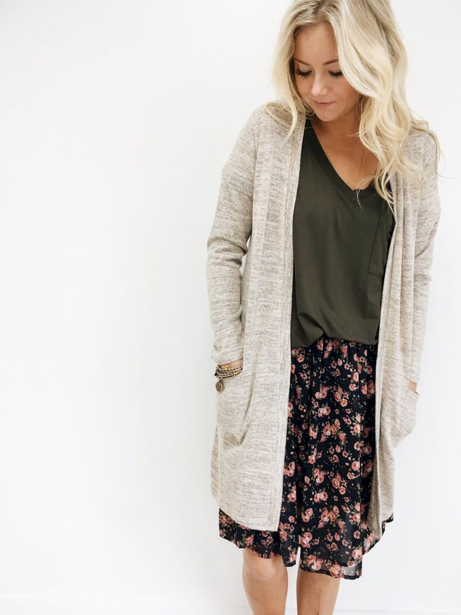 60 Inspiring Cardigan Outfit for Fall 2017 that Must You Copy https://fasbest.com/60-inspiring-cardigan-outfit-for-fall-2017/