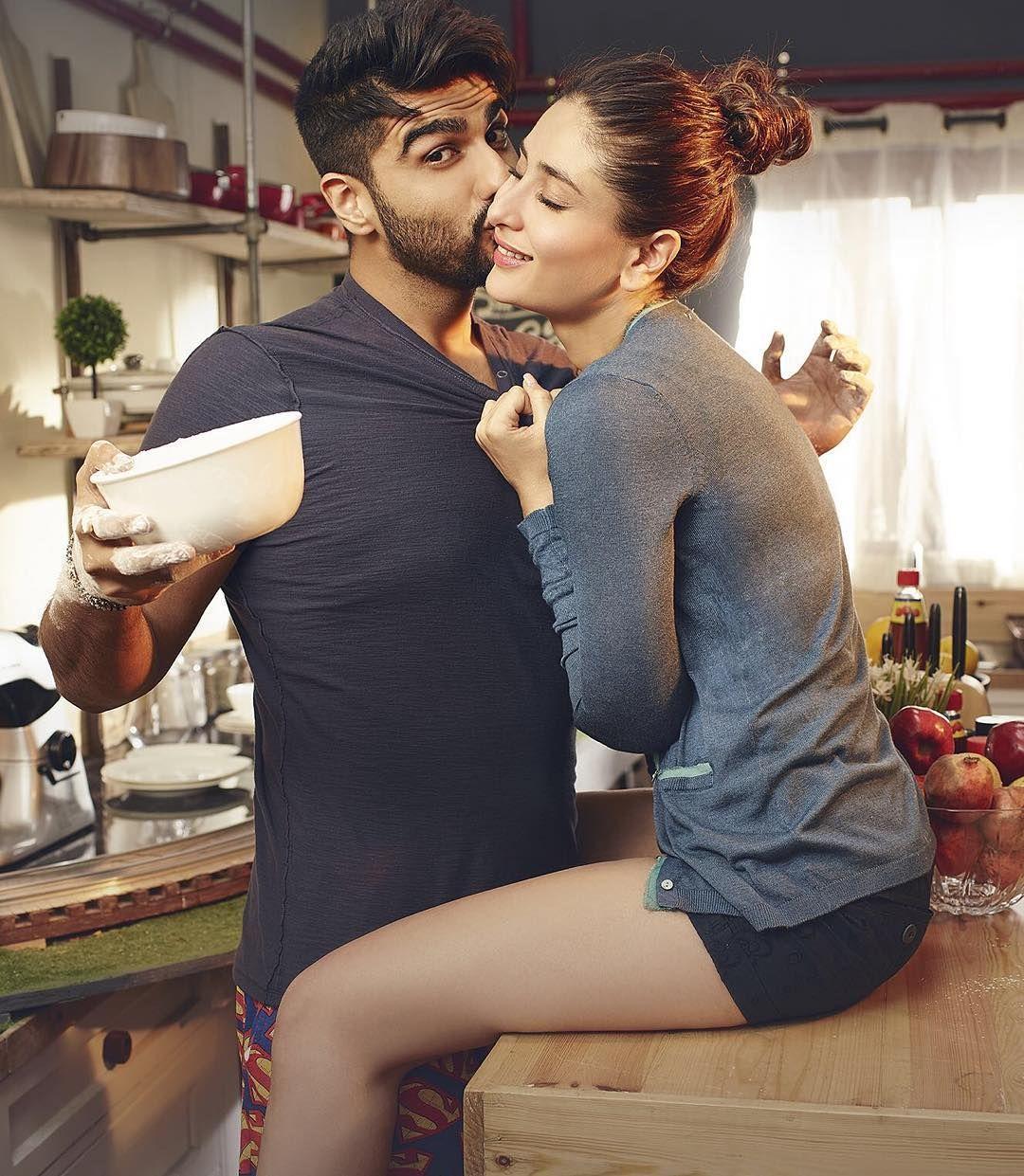 Kareena Kapoor Arjun Romancing Scans From Filmfare Magazine