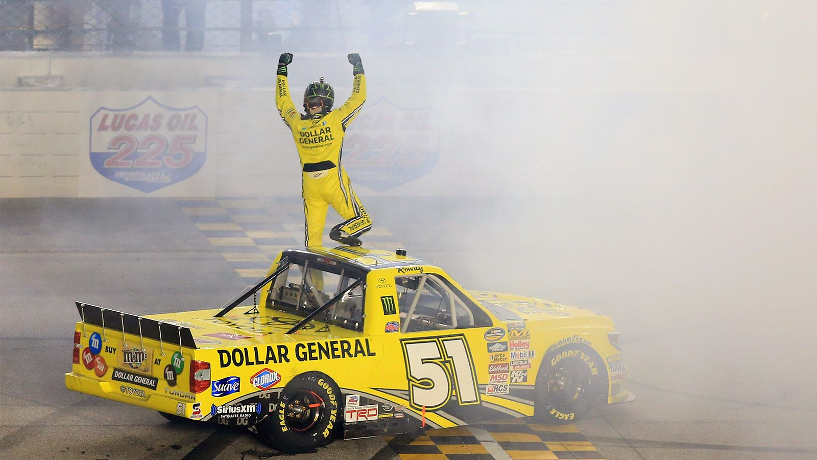 Kyle Busch wins for the sixth time in the Camping World Truck Series this season | FOX Sports