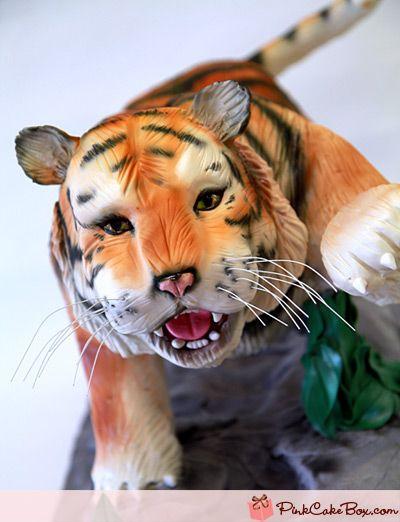 Awesome Tiger Cake  by: pinkcakebox - http://blog.pinkcakebox.com/tiger-cake-2-2011-04-30.htm